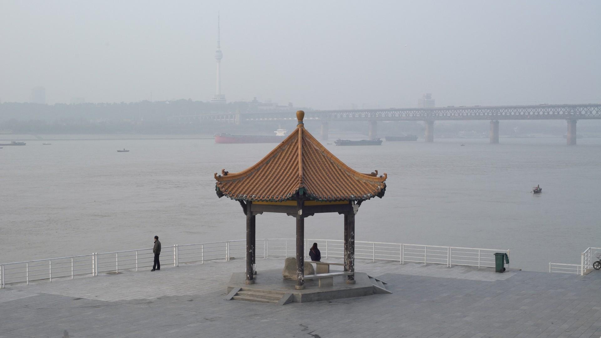 A River Runs, Turns, Erases, Replaces (Shengze Zhu)