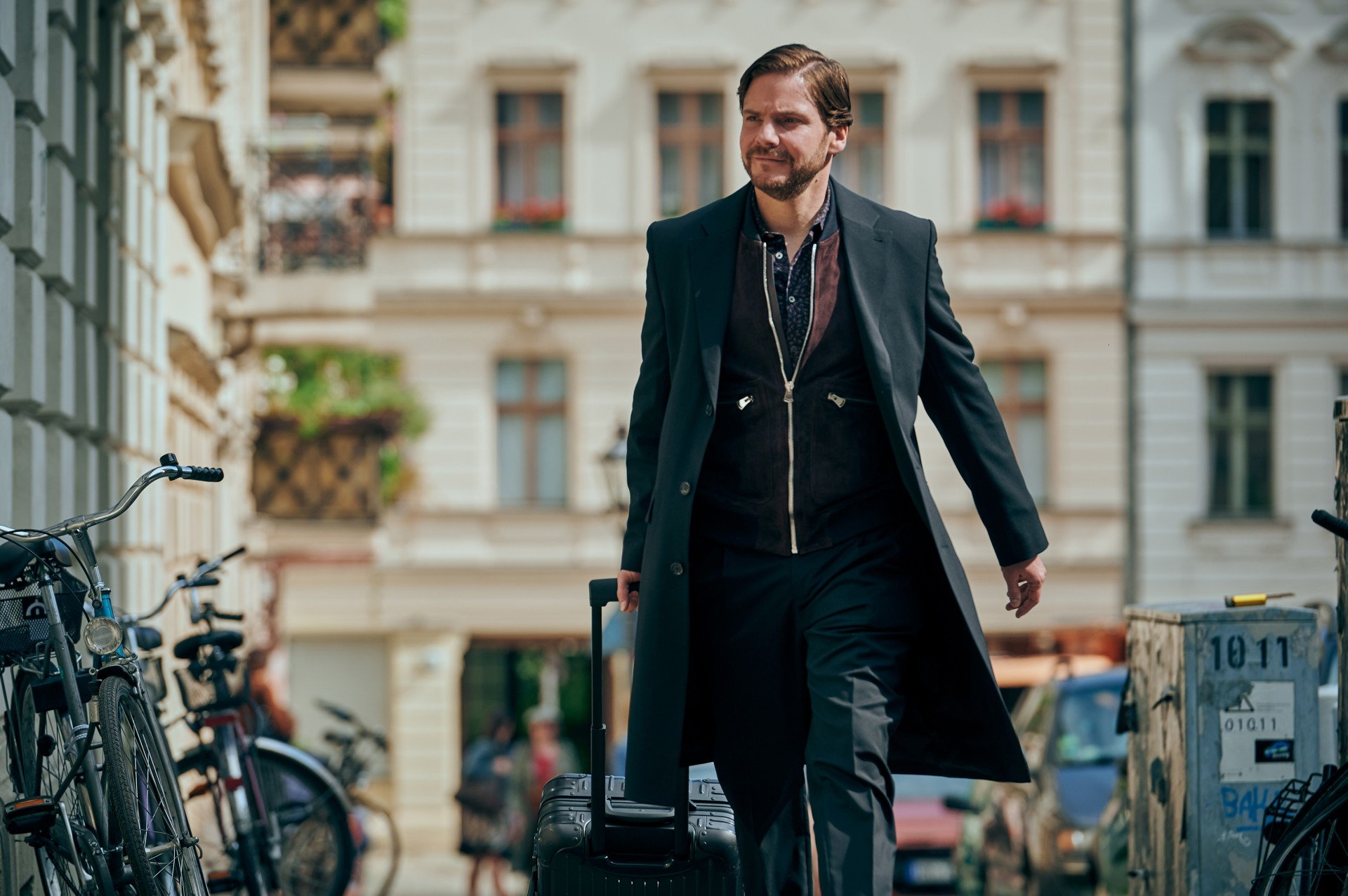 Next Door (Daniel Brühl)